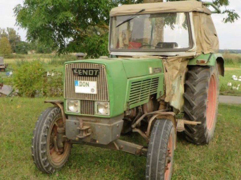fendt farmer 3s traktor rabljeni traktori i. Black Bedroom Furniture Sets. Home Design Ideas